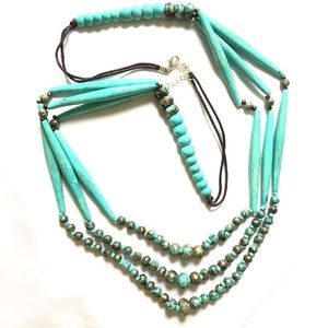 Turquoise shell beaded necklace